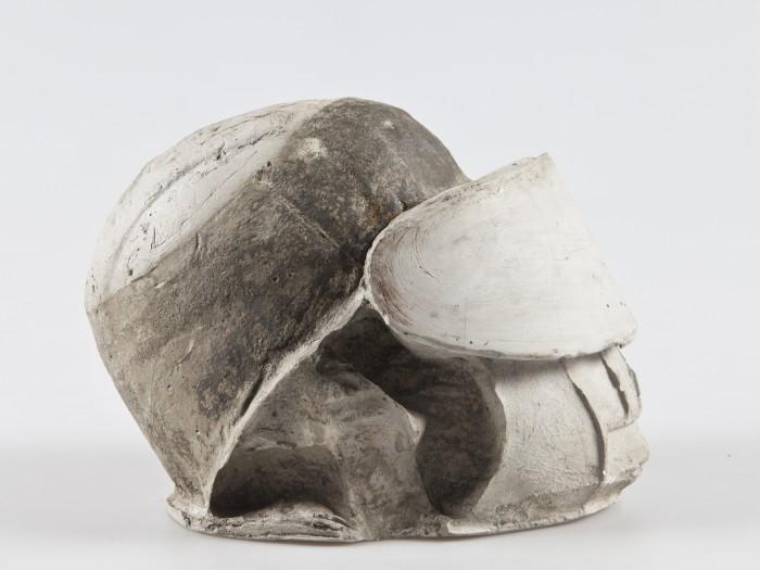 Helm. Beton, 23x22x30cm. 2013